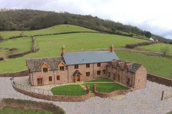 Sleeps 20 Holiday Rental with Hot Tub   in South West, West Country