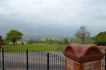 Large Sleeps 20 Holiday House with Hot Tub, Somerset, England
