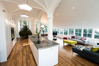 Stylish 6 Bedroom Town House with Hot Tub, Worcestershire, England