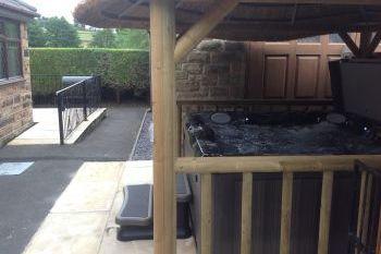 Sleeps 4 Hot Tub Cottage   in Derbyshire Dales