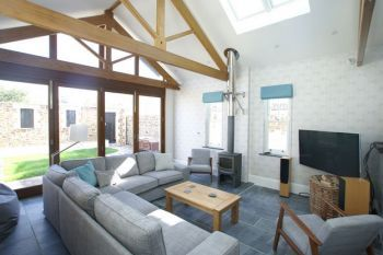Large group coastal holiday home -Westerly House, Cornwall, England