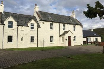 Sleeps 22 Hot Tub Cottage   in Scottish Borders