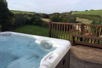 Sleeps 8 Hot Tub Cottage   in South West, West Country