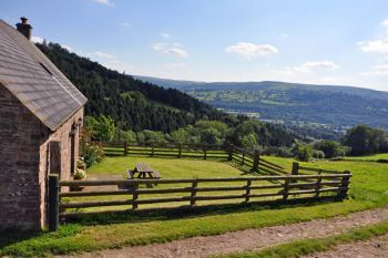 Cottage sleeps 2 in Mid Wales, Brecon Beacons