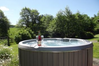 Sleeps 4 Hot Tub Cottage   in Mid Wales