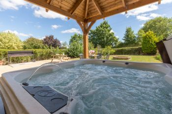 Holiday rental with Hot Tub Access   in South West, West Country