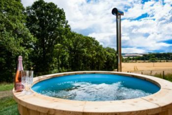Sleeps 4 Holiday Rental with Hot Tub   in Scottish Borders
