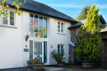 Accommodation with a large bed sleeps 2 in North Devon, South West, West Country