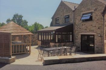 Holiday rental with Hot Tub Access   in Midlands, Peak District, Derbyshire Dales