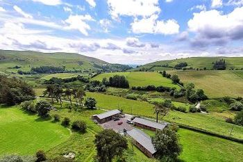 Sleeps 20 Holiday Rental with Hot Tub   in Mid Wales