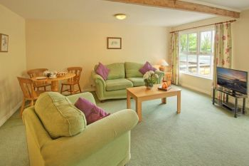 Accommodation with a large bed sleeps 2 in Northumbrian Coast, North England