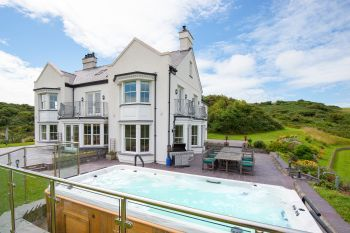 Cottage with Hot Tub Access   in Coastal North Wales