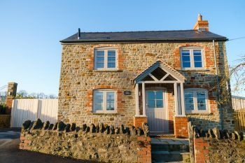 Sleeps 2, Romantic, Luxurious Cottage with Original features and Amazing Views - Herefordshire