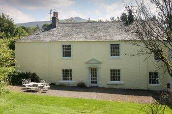 Accommodation with a large bed sleeps 2 in The Lake District, North England, Northern England