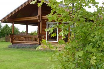 Cottage with Hot Tub Access   in Scottish Borders