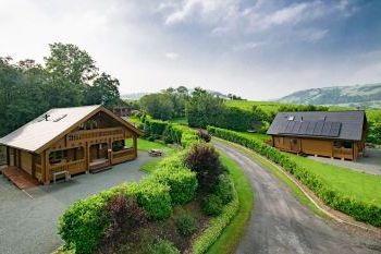 Cottage with Hot Tub Access   in Mid Wales