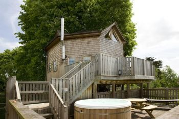 Cottage with pool for couples in West Country, South West
