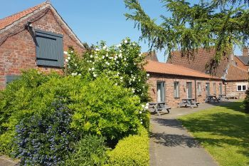 Cottages with a BBQ for 2 in Lincolnshire Fens, East Midlands
