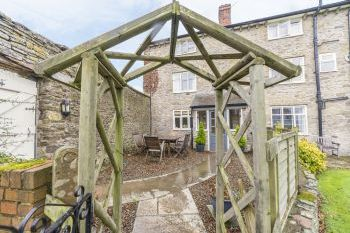 Rowton Manor dog friendly holiday cottage, Craven Arms, Heart Of England , Shropshire, England