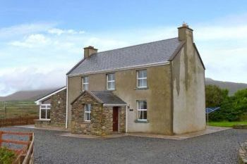 Holiday Home with Sea Views near Ballinskelligs Bay, Kerry, Ireland