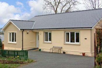 Family Holiday Bungalow for 5 close to Narberth, Pembrokeshire, Wales
