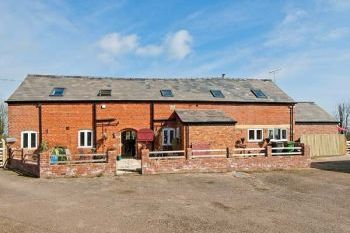 Chirk Holiday Barn - Shropshire