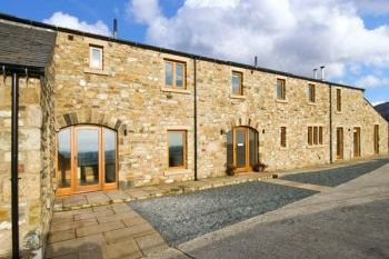 Cottage with a spacious bed for couples in Yorkshire Dales