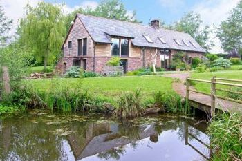 Granary for 6 People, Monmouthshire, Wales
