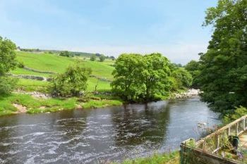 Rose Riverside Holiday House, Pets Welcome, North Yorkshire, England