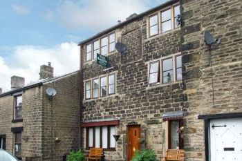 Romantic Peak District Apartment, Derbyshire, England