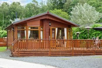Cottage with Hot Tub Access   in The Lake District National Park