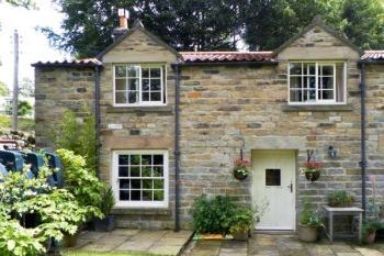 Tranmire Family-Friendly Holiday Cottage, North Yorkshire, England