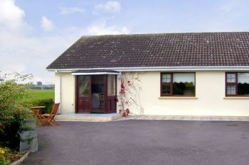 Dog Friendly Couple's Cottage near Tralee, Kerry, Ireland