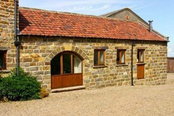 Romantic Staintondale Holiday Barn, North Yorkshire, England