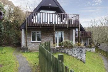 Valley Pet-Friendly Lodge, Cornwall, England
