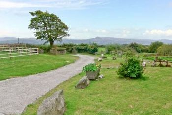 Accommodation with a large bed sleeps 2 in Pembrokeshire and South Wales