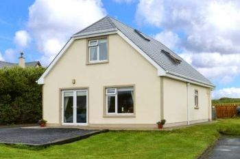 Quilty Pet-Friendly Apartment, Clare, Ireland