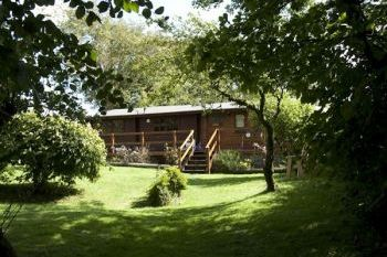 Self-catering accommodation with a barbecue sleeps 2 in Wales