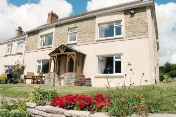 Sleeps 6 Farmhouse near Newcastle Emlyn, Carmarthenshire, Wales