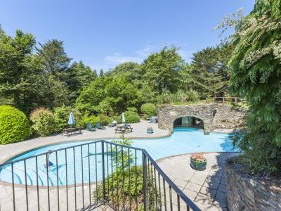self-catering cottage holiday in Devon with swimming pool