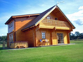 Enjoy the cosy ambiance of a log cabin holiday