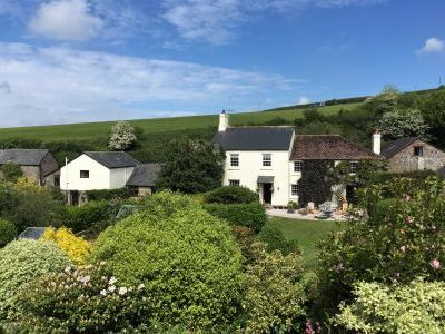 Family cottage with lovely garden near the beaches of South Devon