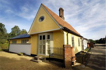 luxury self catering sleeps 8 Clare Suffolk