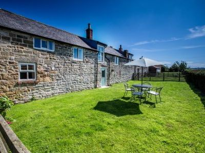 pet friendly cottage Yorkshire sleeps 12