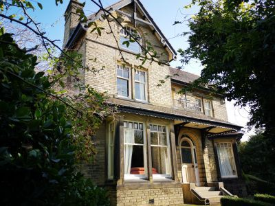 sleeps 16 self catering Yorkshire