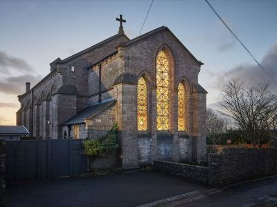 Unique chapel sleeps 18 for short breaks party weekends and more