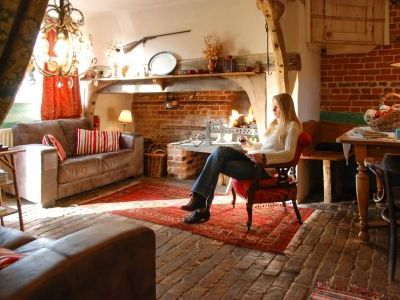 Romantic double bedroom holiday cottage