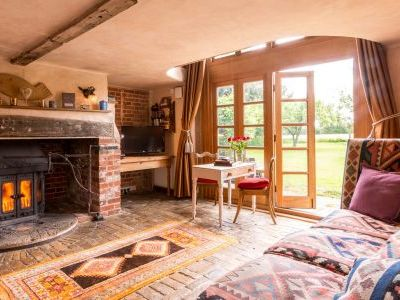 Cosy, romantic holiday cottage near london