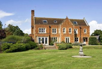 Self-catering holiday cottage in Surrey