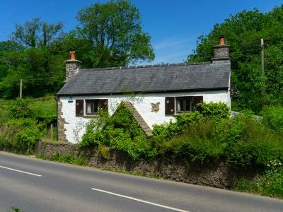 Self catering cottage holidays southern England   Self